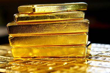 Contracara del rally del cobre: el oro retrocede 12% desde el peak que alcanzó en pandemia