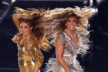 """Lady Gaga elogia show de JLo y Shakira en el Super Bowl: """"¡Qué mujeres tan poderosas y sexys!"""""""