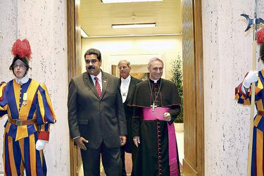 handout-picture-released-by-the-venezuelan-35321328