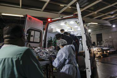 Brasil registra 2.383 nuevas muertes por pandemia y total supera las 430.000 víctimas fatales