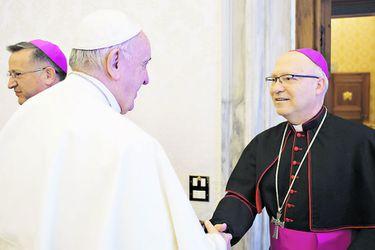 """La pregunta del Papa a los obispos: """"¿Cómo anda Goic?"""""""
