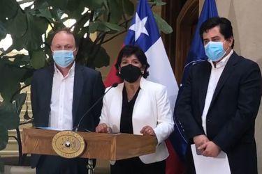 Senadores de oposición liderados por Yasna Provoste piden a presidenta de la Cámara Alta que ponga el proyecto de cuarto retiro en tabla la próxima semana