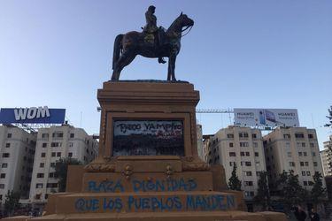 """""""Ninguna provocación"""": Intendente Guevara explica limpieza de monumento a Baquedano cuando partió Estado de Emergencia por coronavirus"""