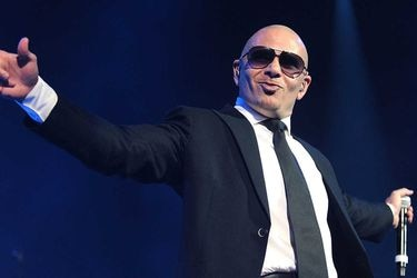 """No esperamos nada y aún así nos decepciona: Pitbull destruye """"Africa"""" de Toto para Aquaman"""