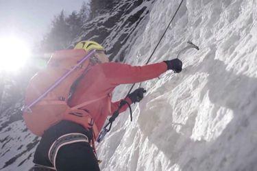Alpinista ciego completa escalada del Monte Everest