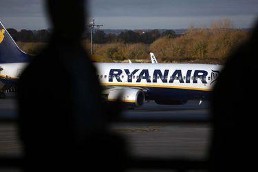 Ryanair amenaza con suprimir 3.500 empleos si no puede rebajar los salarios