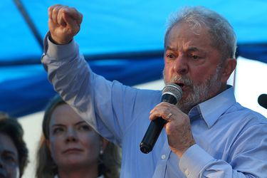 Lula cree que Bolsonaro fingió tener coronavirus para promocionar tratamientos con cloroquina