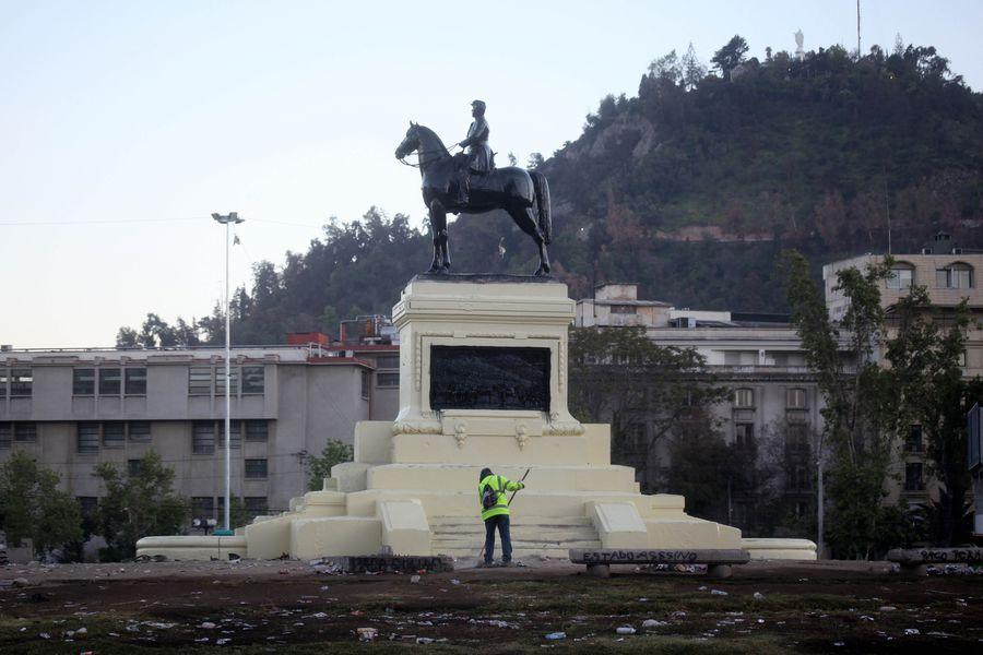 Monumento a Baquedano.