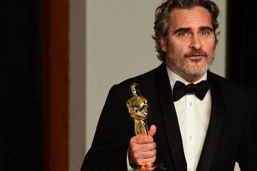 """Joaquin Phoenix pidió en los Oscar dejar de """"cancelar"""" personas por sus errores"""