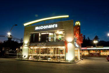 Dirección del Trabajo: McDonald's suspendió contratos a 3.348 empleados