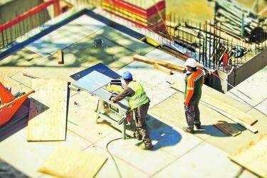 Gobierno fija normas para prevención en el sector de la construcción