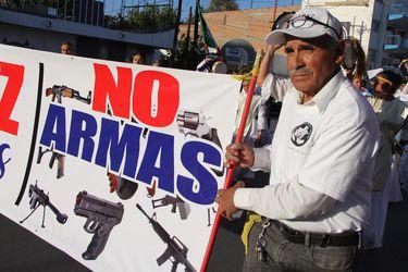 México presenta histórica demanda contra fabricantes y distribuidores de armas de EE.UU.