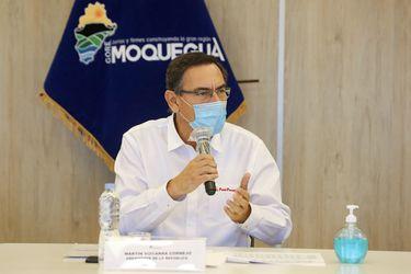 Presidente de Perú convoca a elecciones anticipadas para abril de 2021