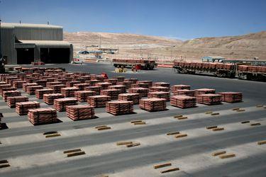 Exportaciones de cobre de China tocan máximo de 14 meses en mayo: operadores aprovechan alza en Bolsa de Metales de Londres