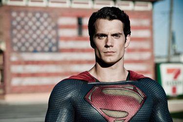 Un nuevo reporte indica que Henry Cavill aún no está en negociaciones para volver como Superman