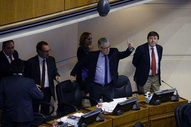 Senado Aprueba Eleccion directa de intendentes