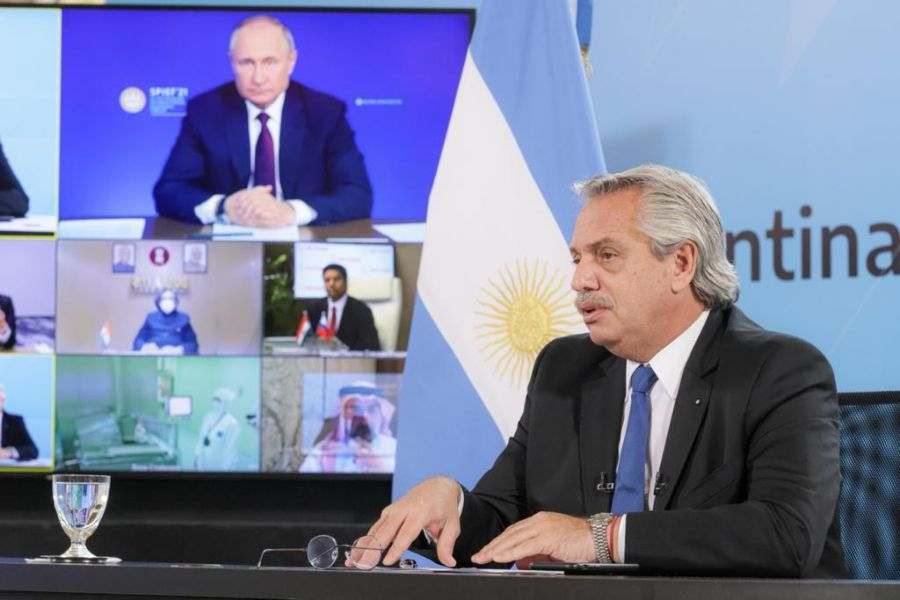 Fernández y Putin anuncian que Argentina comenzará a producir la vacuna  Sputnik V - La Tercera