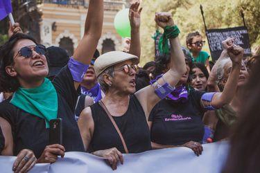 Mariana Loyola y Paulina García preparan la primera serie chilena inspirada en el movimiento feminista