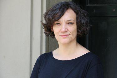 """María José Ferrada, escritora chilena: """"Para validarse, el ser humano necesita estar por encima de otro"""""""