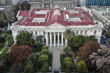 Columna de Pablo Ortúzar: Matinal o República