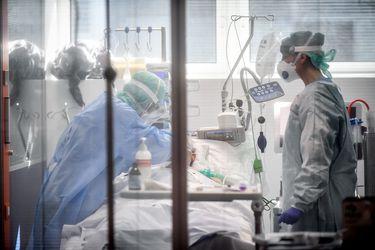Coronavirus: Italia baja de los 100 pacientes en la UCI y registra el número de nuevos decesos más bajo desde marzo