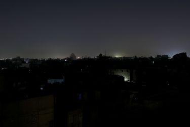 Más de 200 millones de personas sin electricidad: apagón general afecta a Pakistán