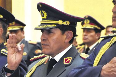 Encarcelan a excomandante en jefe del Ejército de Bolivia por asesinatos tras renuncia de Evo Morales