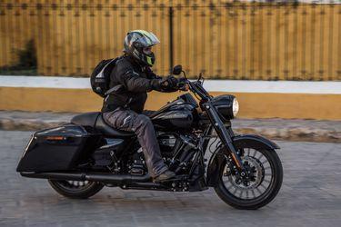 Dios salve y bendiga a la Road King Special de Harley-Davidson