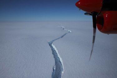 Gigantesco iceberg dos veces más grande que Santiago se desprende de la Antártica