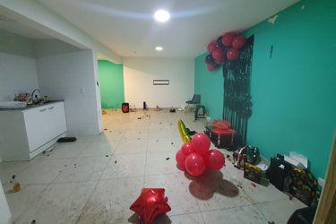 743 gramos de cocaína incautados y 18 detenidos en fiesta clandestina en Cerro Navia
