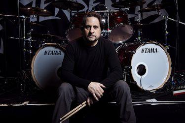 """Dave Lombardo: """"Hay que estar bien apoyado en la tierra para sobrevivir"""""""