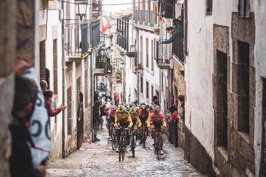 España tiene rey: Roglic gana la Vuelta por segundo año consecutivo