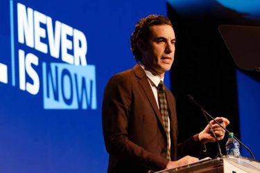 """Sacha Baron Cohen dice que las redes sociales son """"la mejor máquina de propaganda de la historia"""""""