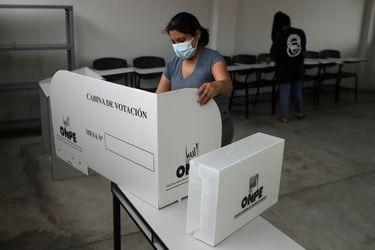 Perú enfrenta su elección más impredecible de los últimos años