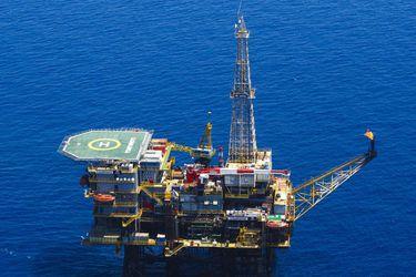 Reunión de OPEP+ se aplaza por choque Arabia Saudita-Rusia sobre desplome de precios del crudo