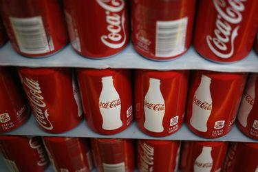 """Coca-Cola ve señales de recuperación después de un segundo trimestre """"desafiante"""""""