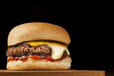 Pizzas, hamburguesas, dulces: Dos tercios de las dieta de los niños y adolescentes es con alimentos ultra procesados