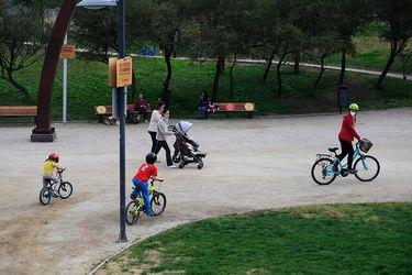 Piñera detalla permisos para menores de edad: Podrán salir los martes, miércoles y viernes, por 90 minutos y en dos horarios distintos