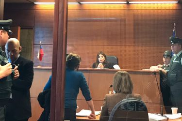 """Duro diálogo entre una jueza y la madre de un joven detenido con molotov: """"¿Se da cuenta que pudo matar a alguien?"""""""