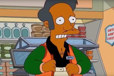 Hank Azaria siente que tiene que disculparse con todos los indios que viven en Estados Unidos por interpretar a Apu en Los Simpson