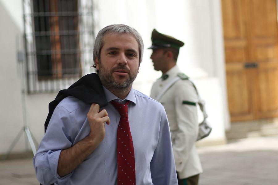 El ministro Gonzalo Blumel se reúne con el senador Felipe Harboe