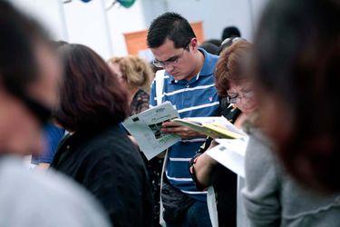 ¿Punto de inflexión?: Desempleo llega a 12,9% en agosto, su primer retroceso mensual desde inicio de la crisis