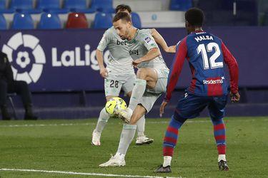 Betis hipoteca sus opciones de Europa League tras dejar dos puntos ante el colista Eibar