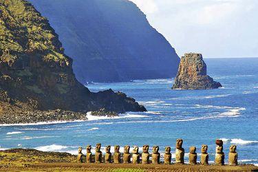 Gobierno tramita vuelo humanitario para 210 personas varadas en Rapa Nui