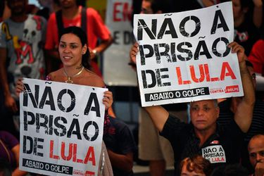 manifestantes-a-favor-de-lula-esperaban-la-decision-del-maximo-tribunal-brasileno-212433
