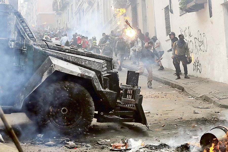 Protests-against-Ecuador-'s-President-Lenin-Moreno's-austerity-measures,-in-Quito-(46975757)