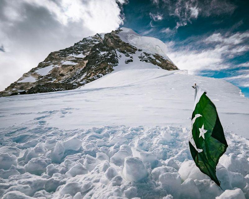 La tumba de Ali Sadpara en el K2. Foto: Elia Saikaly.