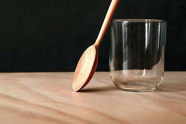 El artesano de las cucharas