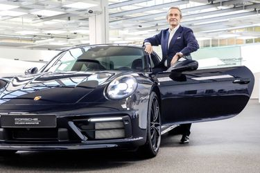 high_jacky_ickx_911_carrera_4s_belgian_legend_edition_2019_porsche_ag