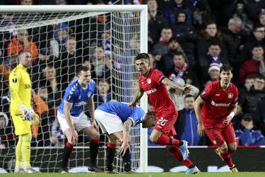 Aránguiz anota en gran victoria del Leverkusen en Escocia